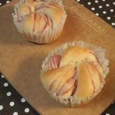 苺シート折込ぐるぐるパン