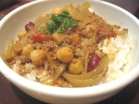 カレーにおいしい豆水煮★挽肉カレー