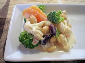 お豆とブロッコリーのカルボナーラ風サラダ