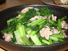 簡単♪豚肉と小松菜の炒め物☆
