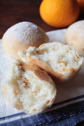 **オレンジピールのパン**