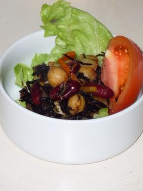 カレー風味のひじきサラダ