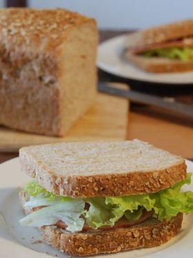 くるみとオートミールのサンドイッチパン