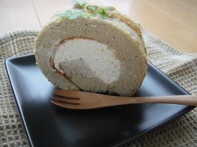 黒豆ペーストのロールケーキ