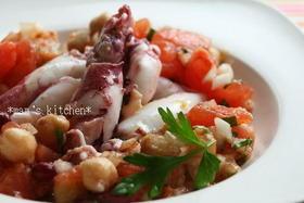 イカとトマトとお豆のサラダ