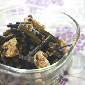 わらびの煮物(あく抜き手順付)