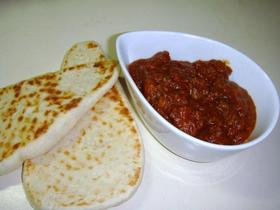 トマトと軟骨のキーマカレー