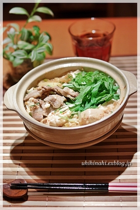 こってりおいしい!ニンニク味噌の肉豆腐鍋