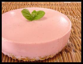 ヘルシー♥いちごのレアヨーグルトケーキ