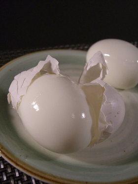 知ってる?ゆで卵の楽しい殻の剥き方♪