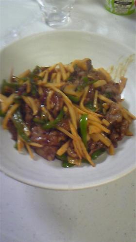 ご飯がすすむ!ちょっとピリ辛★青椒肉絲