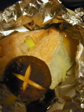 新玉葱と鮭のホイル焼き・・・