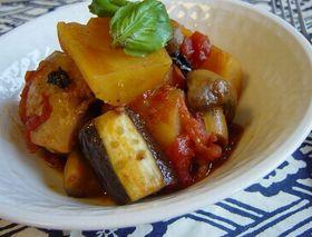 鶏肉とさつま芋のトマト煮☆バジル風味