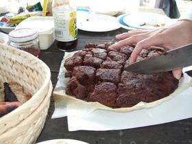 ダッチオーブンでチョコレートケーキ