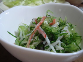 もう一品ほしい時のセロリの和え物風サラダ