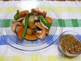 揚げ海老と揚げ野菜のサラダ
