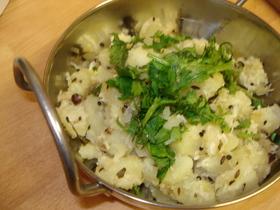 ココナッツとポテトのサブジ(野菜炒め)