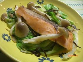鮭とキャベツの蒸し焼き☆