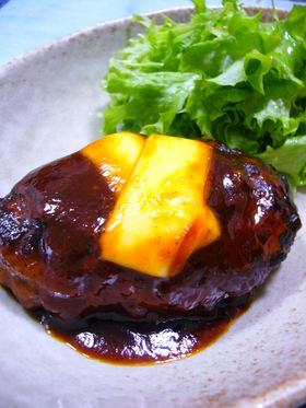 お箸で食べる☆やわらか煮込みハンバーグ