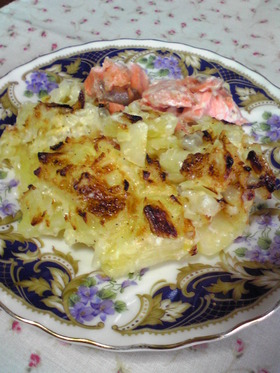 《鮭とポテトのオニオンマヨ焼き》