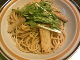 水菜と長芋のバター醤油パスタ