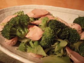 魚肉ソーセージとブロッコリーイタリアン風