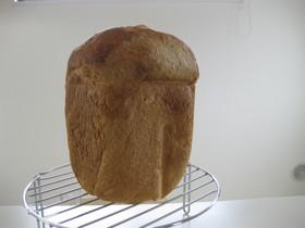 HBで全粒粉入クリームチーズパン