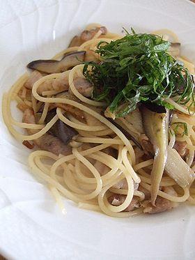 ピクルスの漬け汁で大葉とナスのスパゲティ