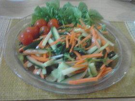 糸三つ葉と人参のサラダ