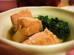 ほうれん草と鮭の麺つゆ煮