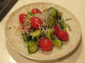 超簡単!トマト・きゅうりの和風サラダ