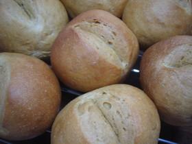 やさしい味の黒糖パン