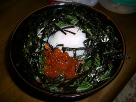 ガッツリ海鮮丼