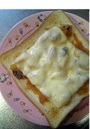 カレーなトースト(✿ฺ´∀`✿ฺ)☆ の写真