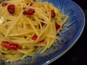 中華 ジャガイモのピリ辛黒酢炒め
