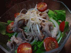 豚肉とクレソンのサラダ、ゴマ風味ドレッシング