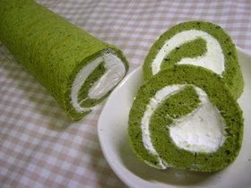 米粉の抹茶ロールケーキ