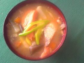 鮭のあらと生姜のあったか味噌汁