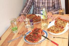 ピザパーティーに!簡単ピザ生地&ソース