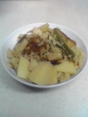 タケノコとわらびの炊き込みご飯♪