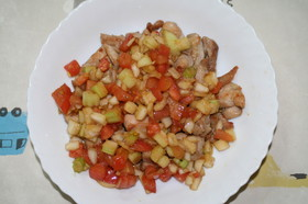 鶏肉のソテー(野菜和え)