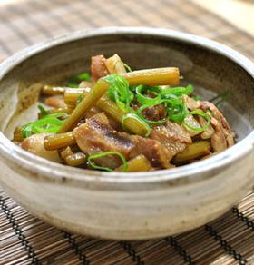 フキと豚バラの炒め煮