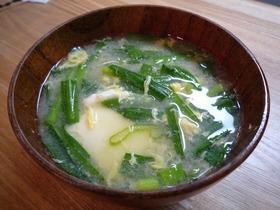 ニラ玉豆腐の味噌汁
