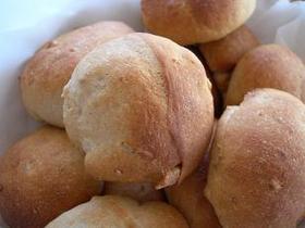 くるみと黒糖の米粉パン