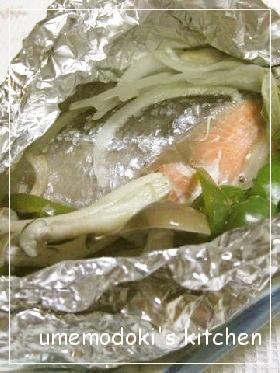 フライパンで、鮭のホイル焼き