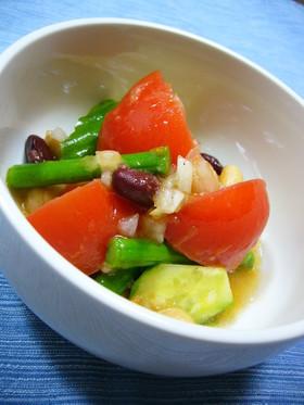 新たまねぎで☆トマトと豆と野菜のマリネ