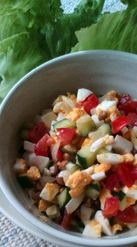 納豆サラダのレタス巻き巻き