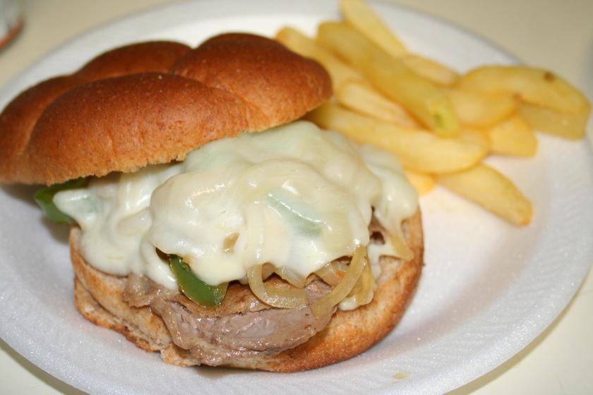 チーズ*ステーキ サンドイッチ