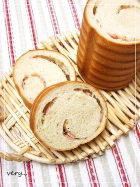 新たまねぎとハムをクルクル♪トヨ型パン