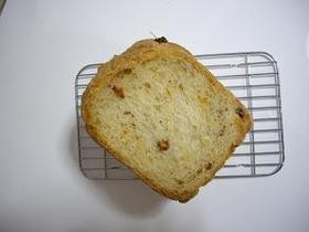 ホームベーカリーでドライトマトのパン